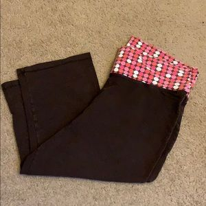Old Navy cropped pants